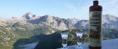 Im Einklang mit der Natur, Spezialitäten der Brennerei Grassl aus Berchtesgaden