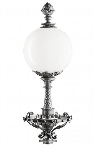 Die Restauration der historischen Lampen und Leuchten der Wrtschaftskammer Stuttgard  durch die Lampen manufaktur otto Zern