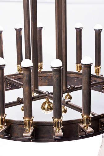 nach alter handwerklicher tradition geschmiedeter lüster von der lampenmanufaktur otto zern